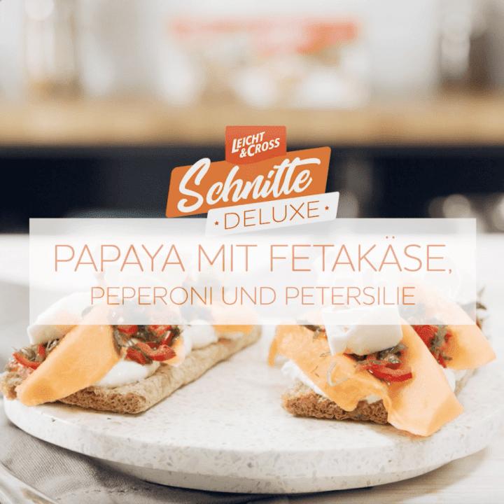 Zubereitungsvideo Schnitte Deluxe: Papaya mit Fetakäse, Peperoni und Petersilie