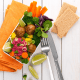 Lunchbox mit Falafel, Brokkoli und LEICHT&CROSS Scheiben